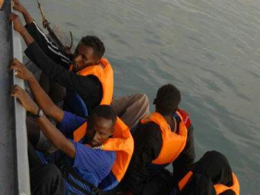 Sauvetage des migrants en mer: lettre ouverte à Emmanuel Macron sur le rôle des ONG