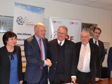Un partenariat Régions de France & France Volontaires pour renforcer l'engagement international des jeunes