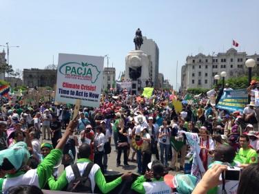 Communiqué de presse – De Lima à Paris ou comment avancer le pied sur la pédale de frein