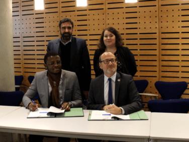 Signature de la convention du projet «Place aux Jeunes» !