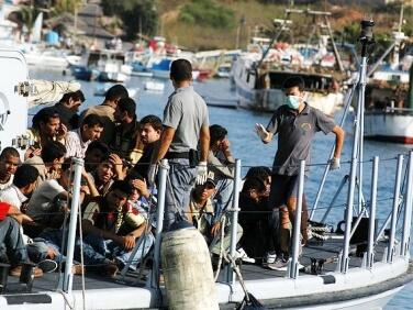 Politique migratoire : le président refuse le dialogue avec la société civile – Des ponts pas des murs
