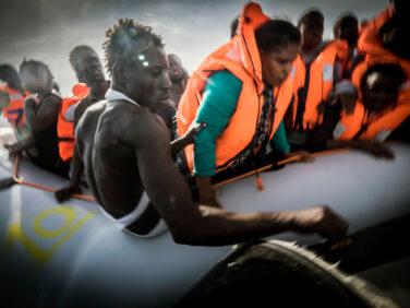 Drame humanitaire en Méditerranée:  l'Europe fait l'autruche et s'en remet à la Libye