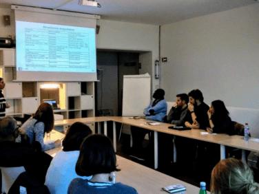 Accès à l'information pour les personnes migrantes en France: Etat des lieux des outils de recensement des services disponibles