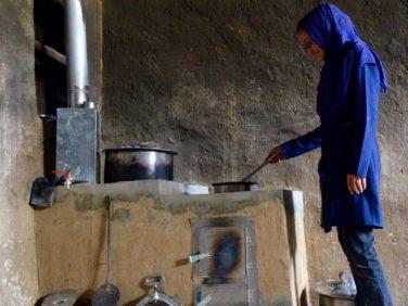 A Bamyan, des cuisines sans fumées