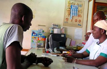 Table-ronde 9 juin 2017 : Le pharmacien d'officine dans la lutte contre le paludisme, l'expérience du projet PALU-PO.