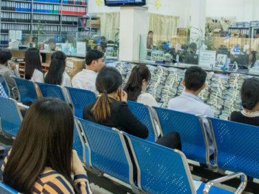 Au Cambodge, une couverture santé élargie à certains acteurs du secteur informel
